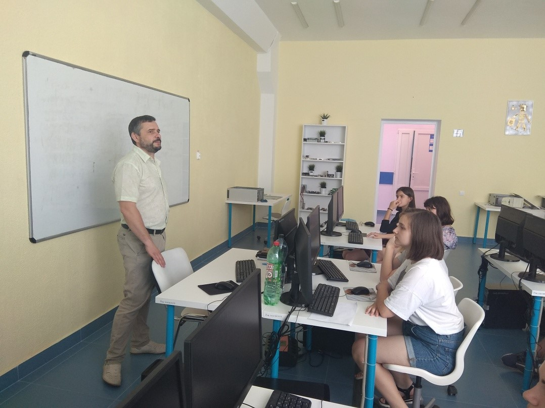 Обзорная экскурсия по лабораториям технической направленности